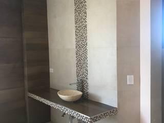 Baños de estilo moderno de MABEL ABASOLO ARQUITECTURA Moderno