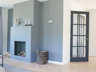 Interieurontwerp Teteringen (regio Breda) Moderne woonkamers van Danielle Verhelst Interieurontwerp & Realisatie Modern