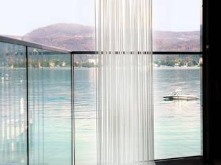 Sichtschutz Balkon: Skydesign Sichtschutz schirmt Blicke ab und strukturiert Bereiche:   von www.skydesign.news - Raumteiler aus Berlin - Sichtschutz Terrasse,