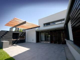 Casas unifamiliares de estilo  por Favio Guadagna, Moderno