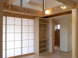 下野田の家 モダンデザインの リビング の 山下建築研究所 モダン