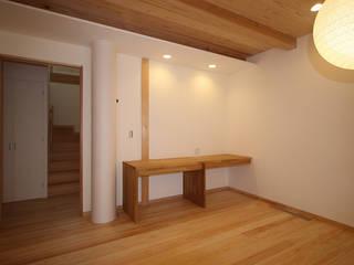 丸林の家 モダンデザインの リビング の 山下建築研究所 モダン