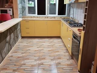 Remodelación de casa: Cocinas de estilo  por Zona SpA