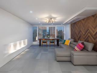 Salas de estar modernas por 스페이스 블랑 Moderno