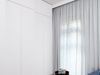 GEORGIAN TOWNHOUSE IN DENBIGH STREET, London Moderne Schlafzimmer von Francesco Pierazzi Architects Modern