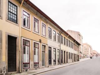 """Apartamentos Torrinha:  {:asian=>""""asiático"""", :classic=>""""clássico"""", :colonial=>""""colonial"""", :country=>""""campestre"""", :eclectic=>""""eclético"""", :industrial=>""""industrial"""", :mediterranean=>""""Mediterrâneo"""", :minimalist=>""""minimalista"""", :modern=>""""moderno"""", :rustic=>""""rústico"""", :scandinavian=>""""escandinavo"""", :tropical=>""""tropical""""} por Ren Ito Arquiteto,"""