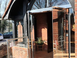 Glass porch with custom designs :  Doors by Ion Glass