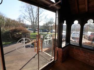 Frameless glass doors :  Doors by Ion Glass
