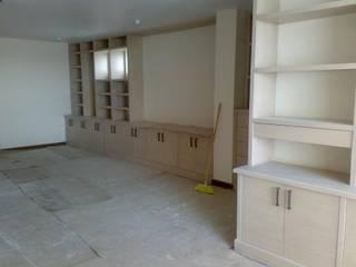 Bureau minimaliste par Solución en Carpinteria Minimaliste