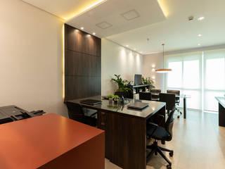 Office buildings by LAM Arquitetura | Interiores