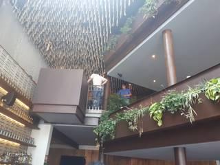 Cantina La Federal:  de estilo  por Santuario arquitectura +