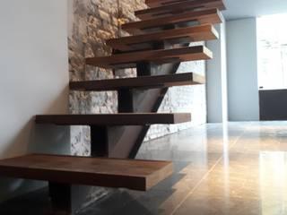 Cantina La Federal: Escaleras de estilo  por Santuario arquitectura +