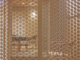 嵯峨野別墅: スタジオクランツォが手掛けた窓です。