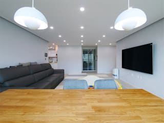 석수 푸르지오 APT 인테리어 리모델링 (33py) 모던스타일 거실 by 바나나웍스 모던