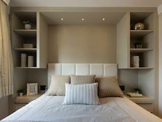 Bedroom by LAM Arquitetura | Interiores,