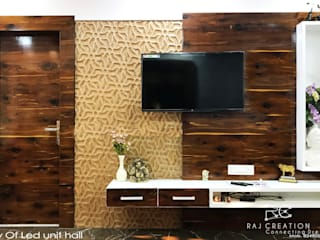 Mr. Dora's residency:  Living room by Raj Creation