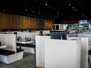 Gastronomie moderne par 18-55 Architecture Photo Moderne