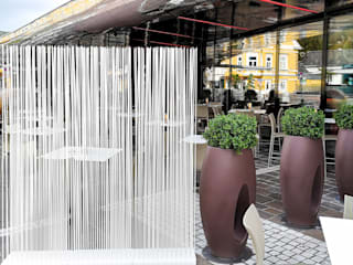 modern  oleh www.skydesign.news - Raumteiler aus Berlin - Sichtschutz Terrasse, Modern