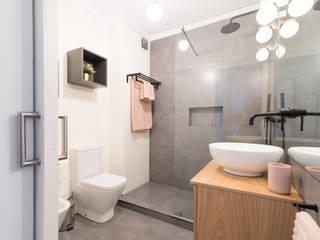 Scandinavian style bathroom by Rima Design Scandinavian