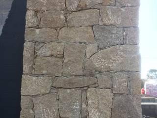 Fachadas em Pedra:   por MP Concept,