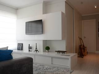 Apartamento LUS: Salas de estar  por Bloco Z Arquitetura,