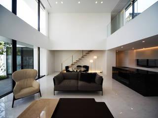 Sgh-house ミニマルデザインの リビング の スレッドデザインスタジオ ミニマル