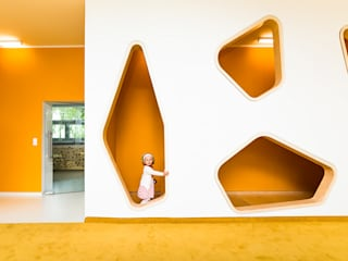 PORT pracownia i studio architektury Modern schools Orange