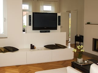Modern living room by Innenarchitektur Olms Modern