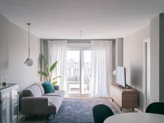 NL / Livingroom: Salones de estilo  de Coronado Estudio