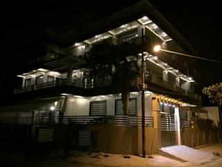 Grandeur Opulence !!!:  Bungalows by KathKarma Projects Pvt Ltd.,