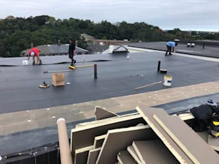 Espaces commerciaux de style  par Boston Roofing and Gutters LLC