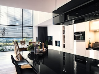 S3P-Engineering GmbH & Co. KG Built-in kitchens Black