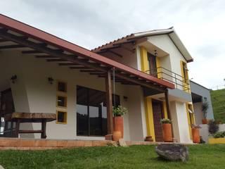 CABAÑA TRES SOLES: Casas de estilo  por Ba arquitectos,