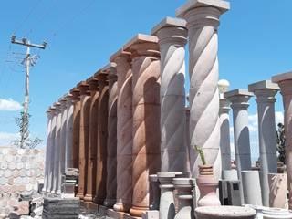 Pilares :  de estilo colonial por Canteras Cruz, Colonial