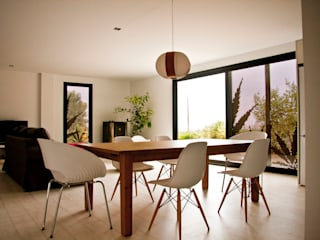 Diseño de Casa Eco Menta Comedores de estilo mediterráneo de INFINISKI Mediterráneo