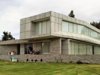 Brassea Mancilla Arquitectos, Santiago Chalet Cemento Grigio