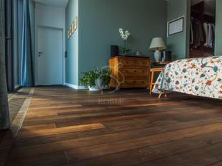 Dormitorios de estilo  por Roble , Ecléctico