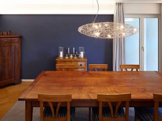 Hochwertige Umgestaltung + Modernisierung einer freistehenden Altbauvilla:  Esszimmer von CLAUDIA GROTEGUT ARCHITEKTUR + KONZEPT,Klassisch