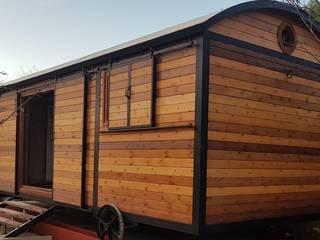 Wagon Hut, Híbrido de vagón de ferrocarril  y  shepherd´s hut.: Locales gastronómicos de estilo  de Wagonstill,