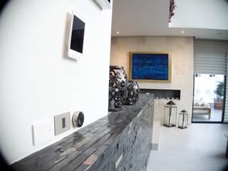 Modern living room by Tucasainteligente.net Modern