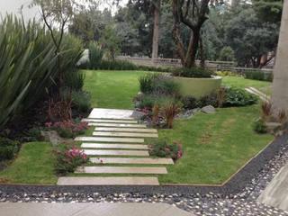 Jardines residenciales Jardines modernos de Brenda Vizcaíno - Arquitectura de Paisaje Moderno