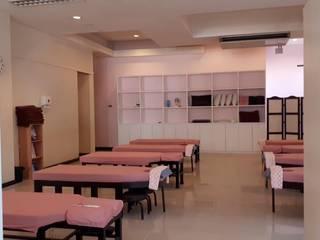 Seitai Clinic Asian style clinics by UpMedio Design Asian