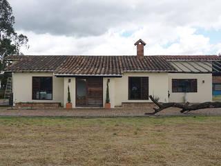 Casas rurales de estilo  de TikTAK ARQUITECTOS