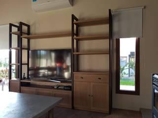 Proyecto living :  de estilo  por Patagonia wood
