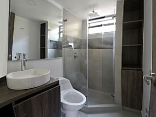 Bathroom by TikTAK ARQUITECTOS, Modern