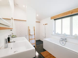 Baños de estilo  por Perfect Stays,