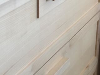 Falegnameria su misura Dressing roomWardrobes & drawers Kayu White