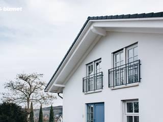 Rumah tinggal  oleh Przedsiębiorstwo Bizmet Spółka z o.o., Klasik