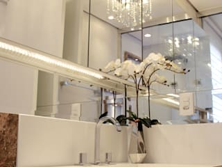 Modern Bathroom by Designer de Interiores e Paisagista Iara Kílaris Modern