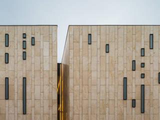 Palacio de la Música Estudios y despachos modernos de Quesnel Arqs. Moderno